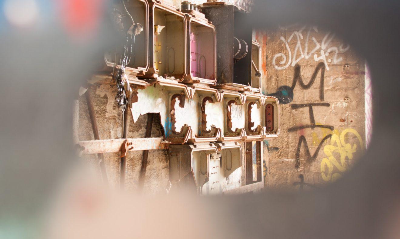 Graffiti (Mari Helin on Unsplash)